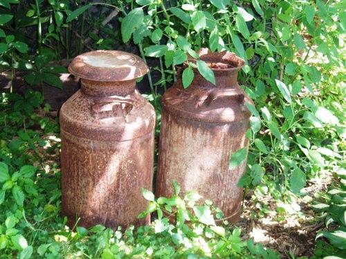 Old_jugs